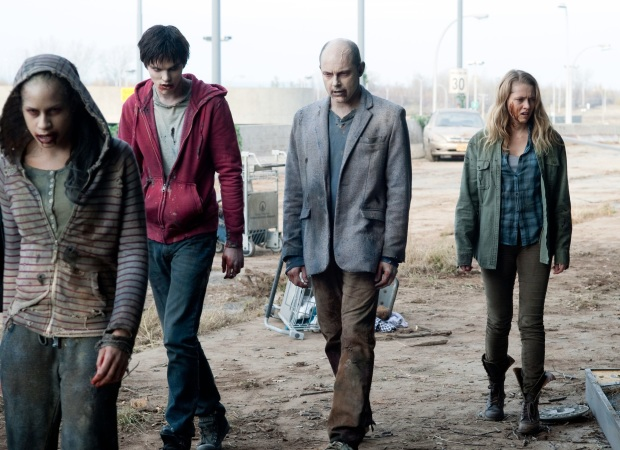 Warm Bodies Film vs Novel Pic 05 by Casey Carlisle.jpg